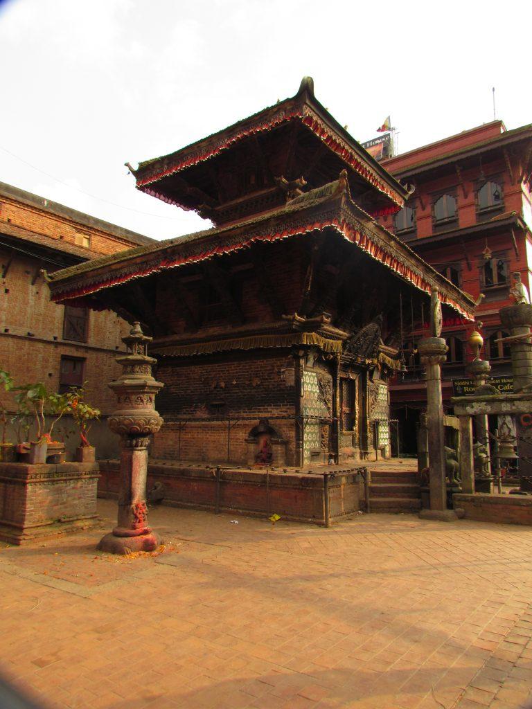 Bakthapur, en stad en bit utanför Kathamndu med många fina gamla byggnader och kultur. Dhurbar square i Bakthapur, Kathmandu och Patan finns med på världsarvslistan