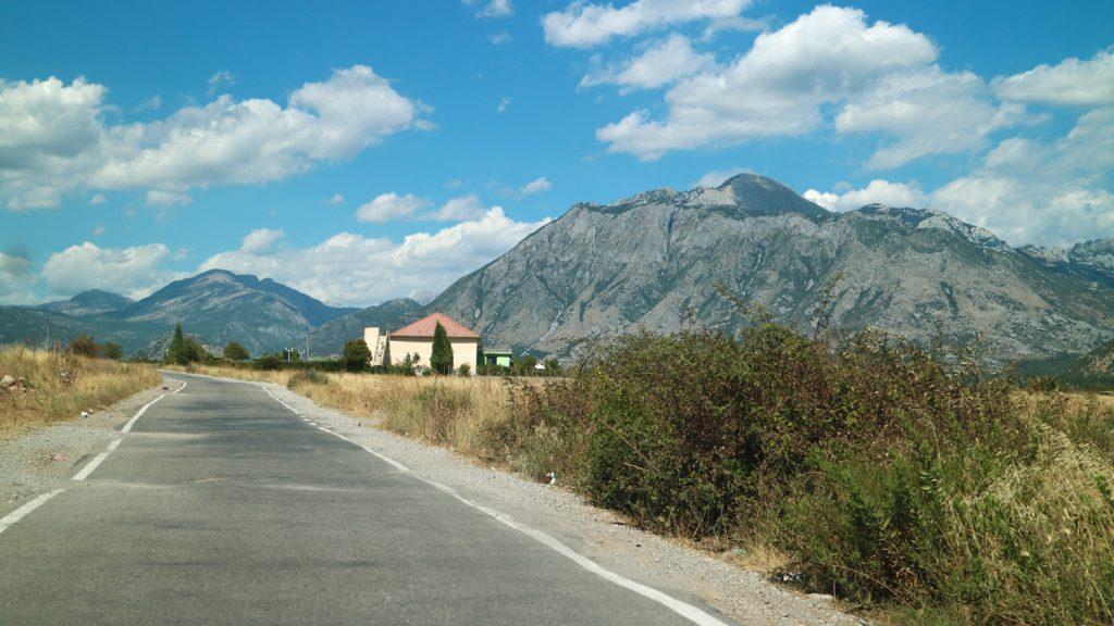 köra bil på balkan, albanien