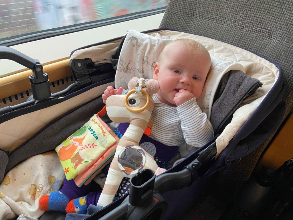 Tåg och bebis