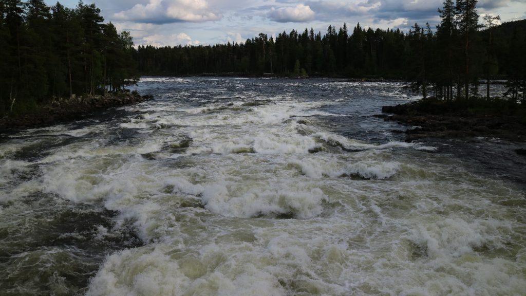Mårdseleforsen bil genom Västerbotten